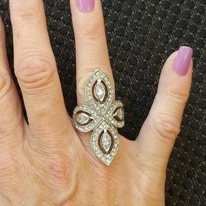 Flashy ring